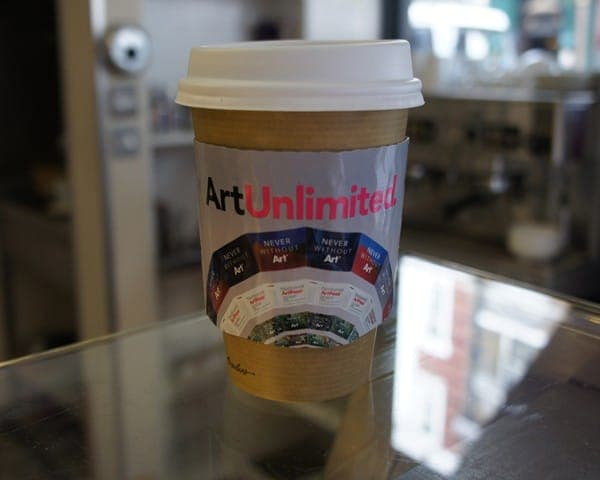 art fund coffee sleeve coffee cup advertising media (1)