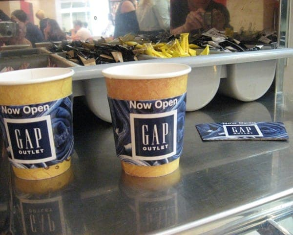 gap coffee sleeve coffee cup advertising media (2)