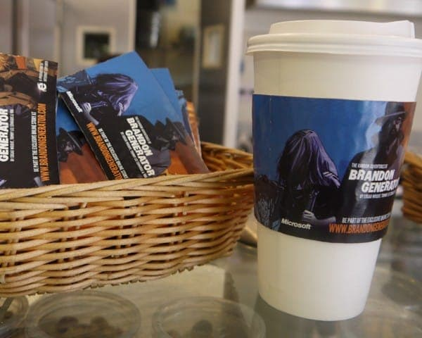 microsoft internet explorer 9 ie9 brandon generator coffee sleeve coffee cup advertising media coffee culture network cafes (4)