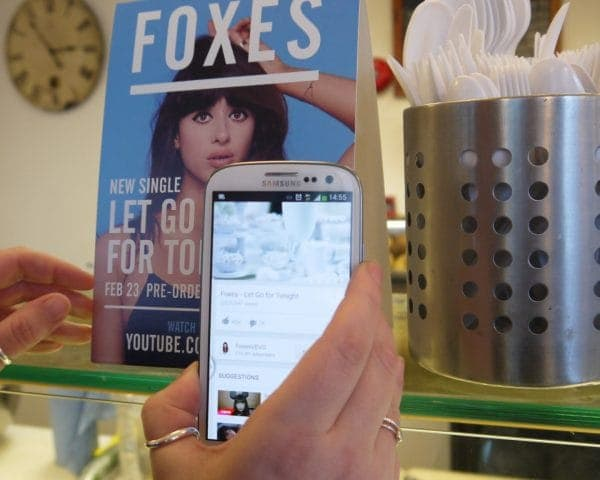 sony music foxes a5 standee point of sale pos advertising media nfc youtube coffee culture network cafes
